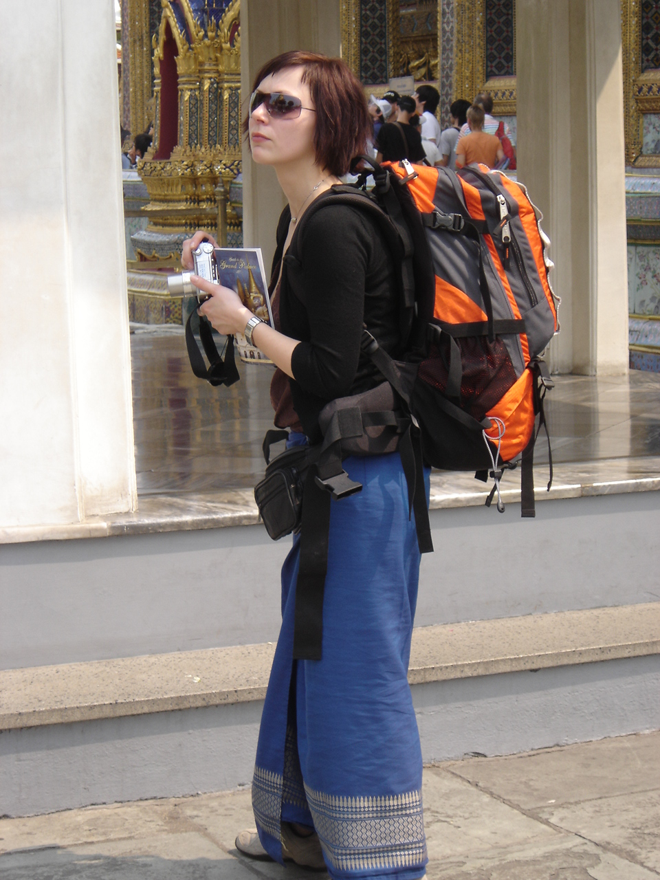 Women Backpacker safety tip for Kenya