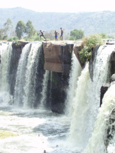 The Chania falls. -Photo courtesy  www. Kenyabuzz.co.ke